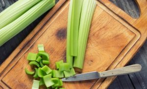 cut celery for celery juice benefits