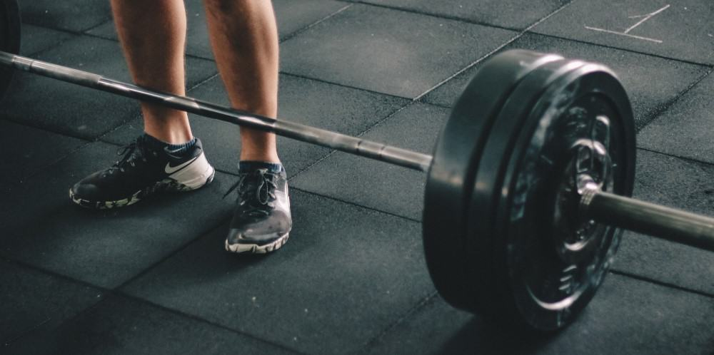 Emerging Athlete trains deadlifts to build muscle