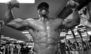 man training chest with optimal volume